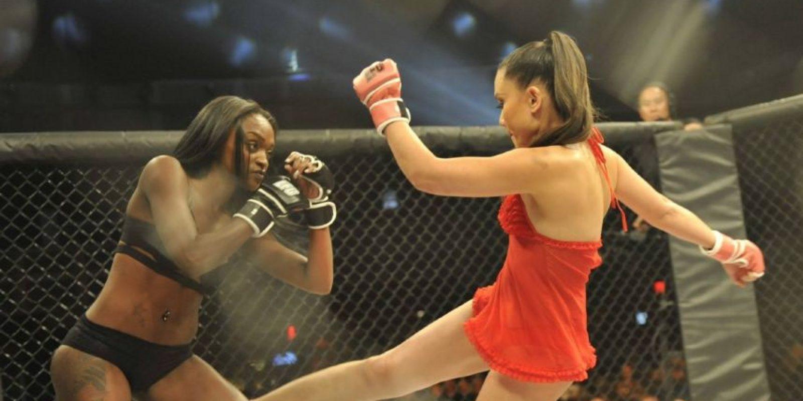 """Las peleadoras llevan sobrenombres como """"Ladykillah"""", """"Babydoll"""" y """"Cherry Bomb"""" Foto:Vía facebook.com/lfcfighting"""