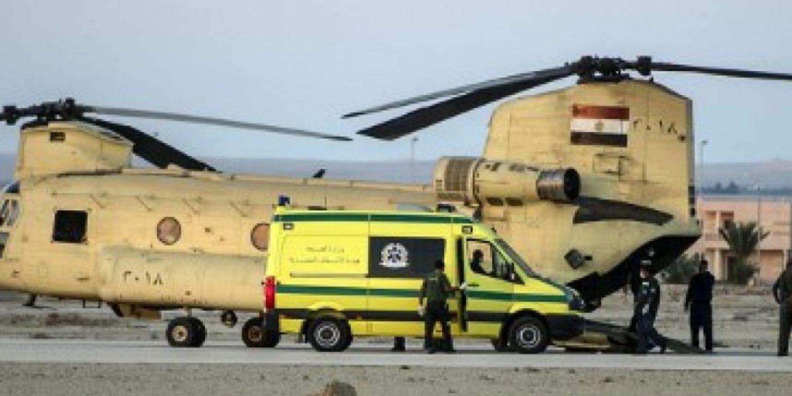 Para el traslado de los cuerpos de utilizaron 45 ambulancias Foto:AFP