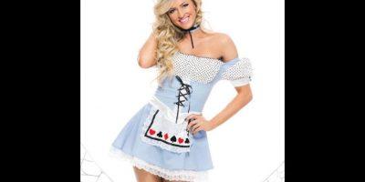 """Summer Rae como """"Alicia en el País de las Maravillas"""" Foto:WWE"""