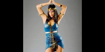 Brie Bella como Cleopatra. Foto:WWE