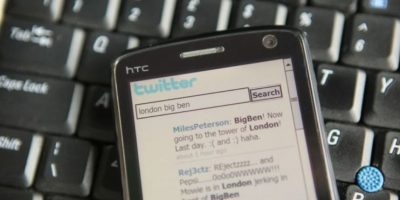 10- Las cuentas verificadas se muestran con una paloma de color blanco dentro de un círculo azul. Foto:Getty Images