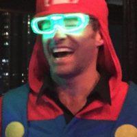 """El intérprete de """"Wolverine"""" abandonó las garras y se transformó en """"Mario Bros"""". Foto:vía instagram.com/therealhughjackman"""