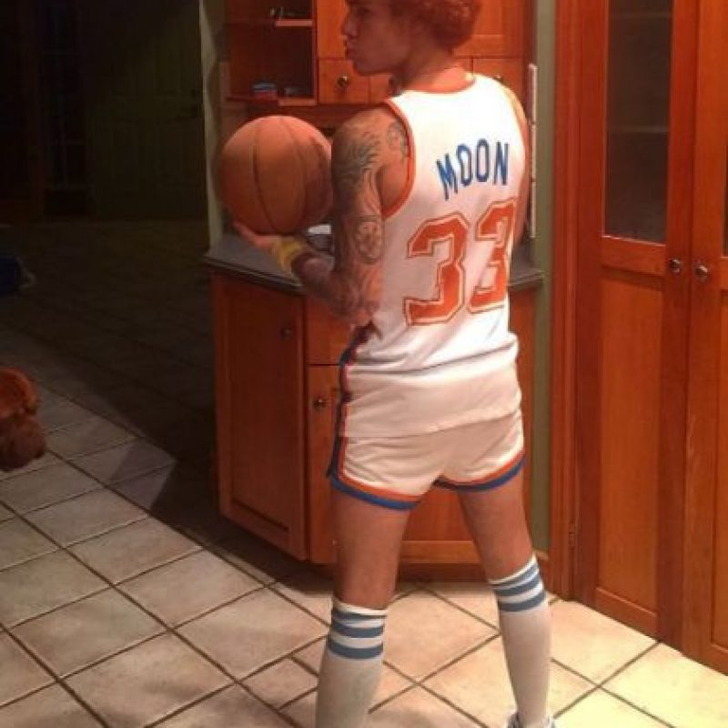 El canadiense se vistió como basquetbolista. Foto:vía instagram.com/justinbieber