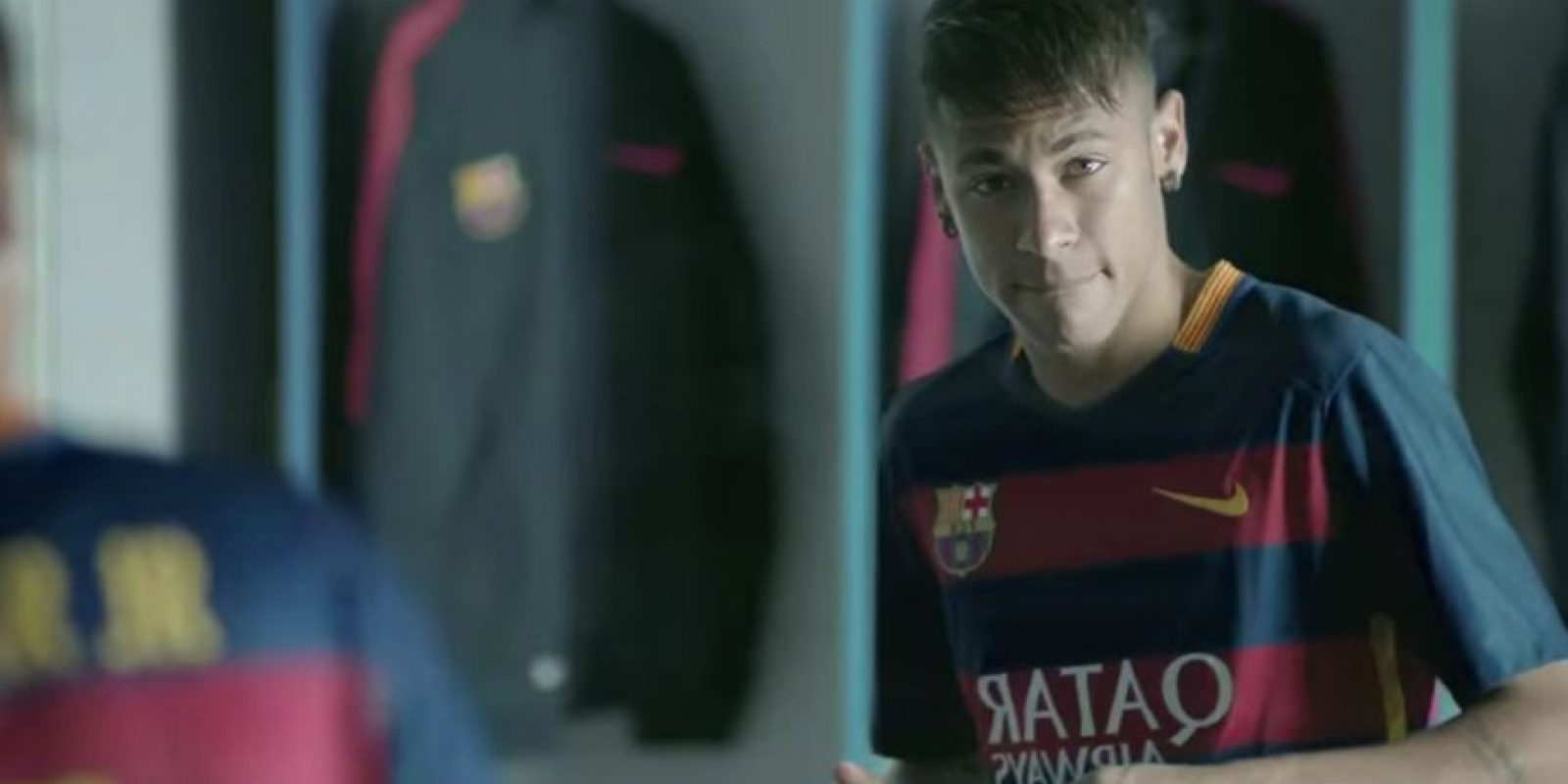 Neymar fue objeto de burlas en el nuevo comercial del Barcelona. Foto:FC Barcelona / YouTube