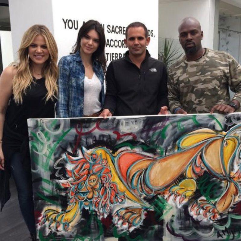 (De izquierda a derecha), Khloé Kardashian, Kendall Jenner, Eduardo y Kanye West. Foto:instagram.com/blackjaguarwhitetiger