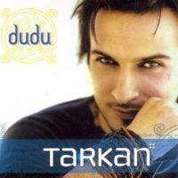 """Tarkan ya era un artista consagrado en Europa, principalmente en Alemania, cuando llegó el éxito con Simarik. Luego siguió su álbum """"Karma"""" y luego """"Dudu"""". Foto:vía Facebook/Tarkan"""