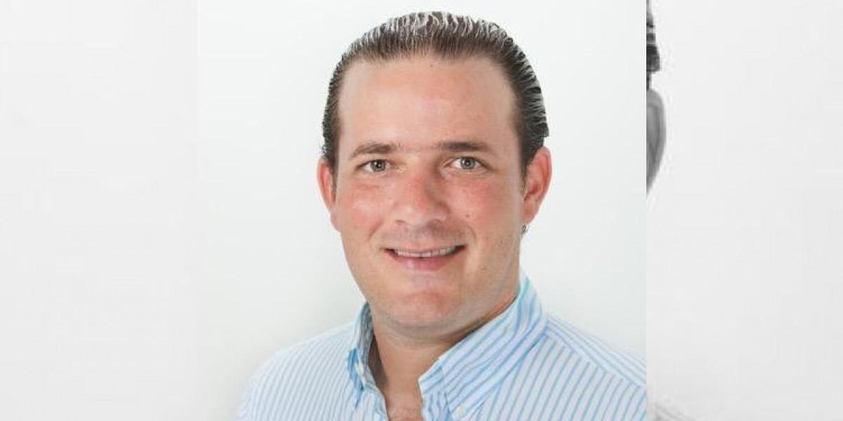 Precandidato a diputado del PRM es hallado muerto en su automóvil en Santiago