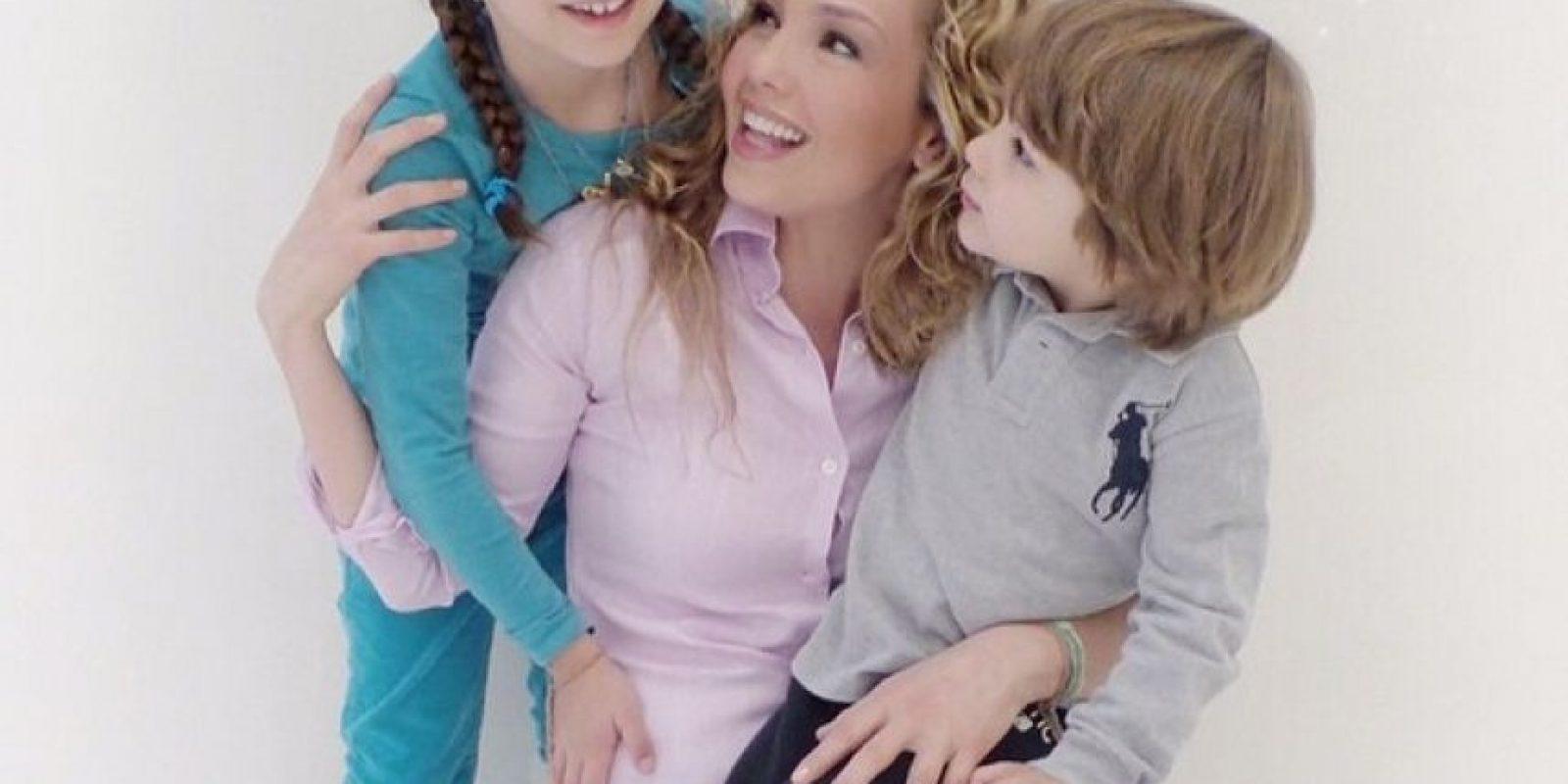 Thalía y sus hijos Sabrina y Matthew Foto:Instagram/thalia