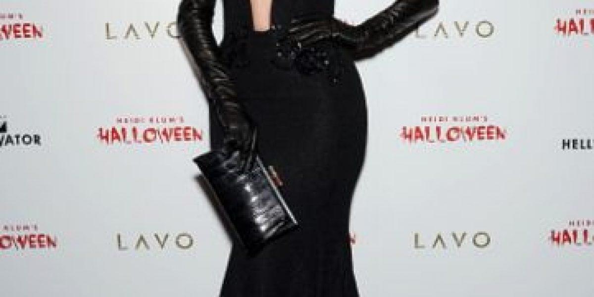Jennifer López derrochó sensualidad en Halloween