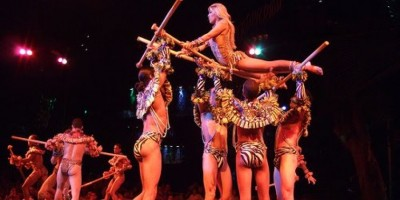 El Cabaret Tropicana llega a la escena local