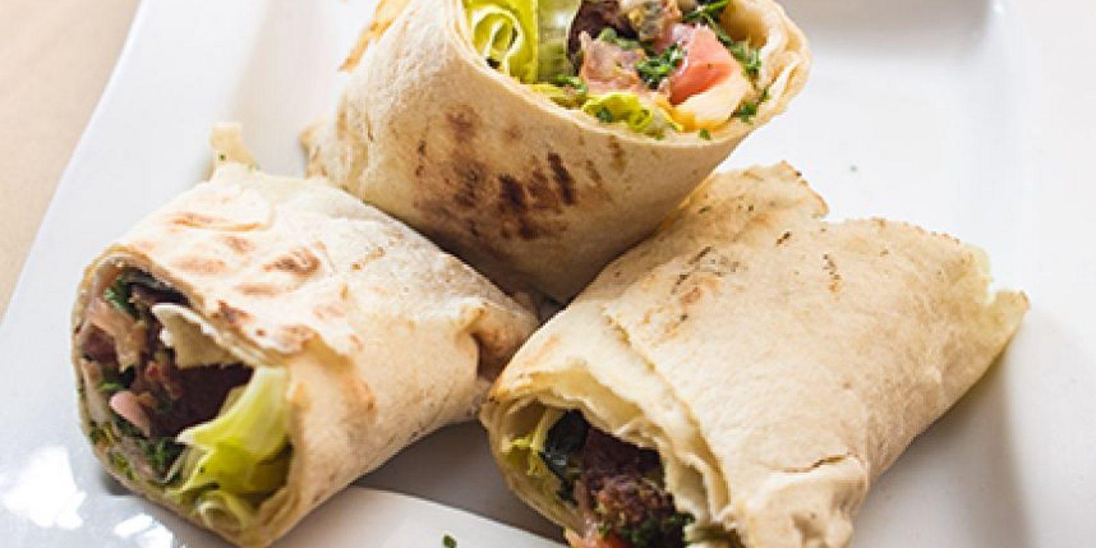 """Habibi. Según detalla Olga Rodríguez, hay cocina árabe y luego está la comida de Habibi. Lo que más aprecia esta chica es su servicio cercano y personalizado, y que como el restaurante es manejado por inmigrantes libaneses, sus platos exquisitos son """"árabes de verdad, verdad""""."""