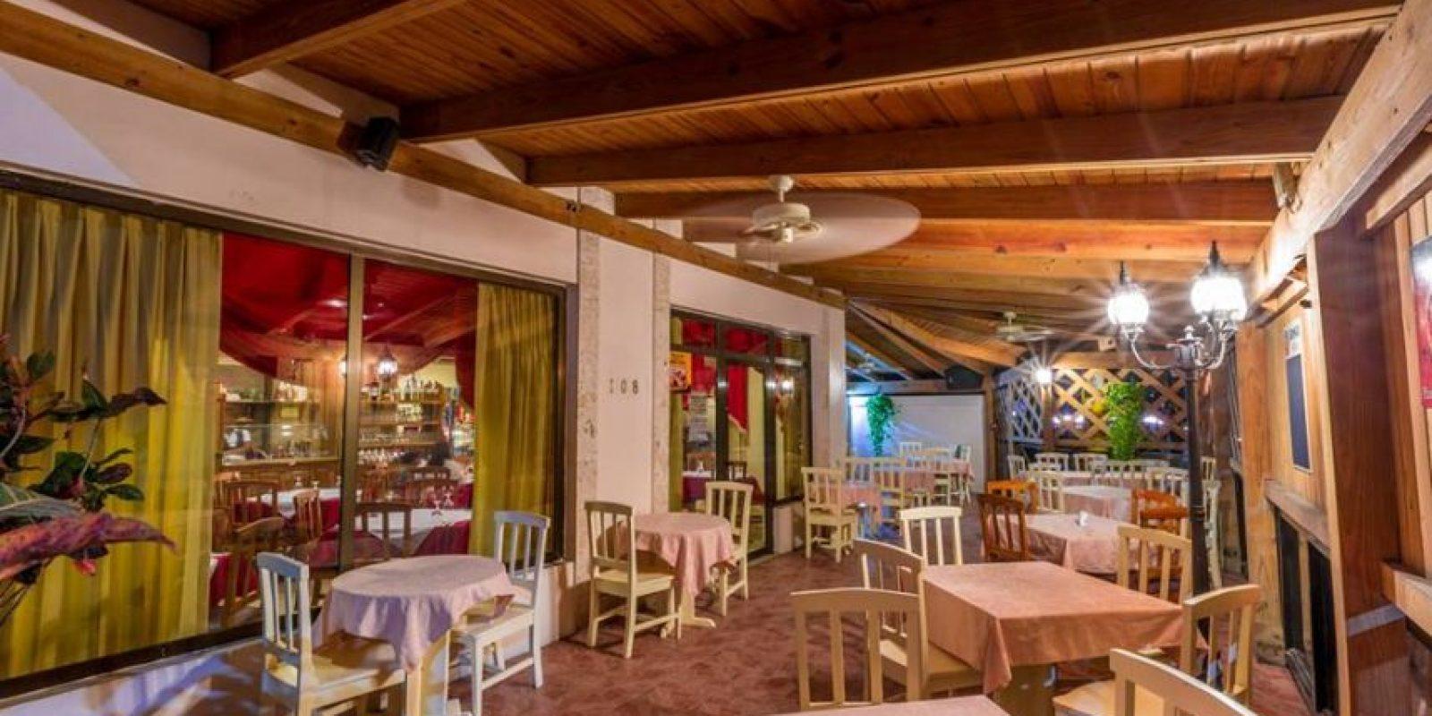 Restaurante Venezia. Manuel Miranda asegura que quien desea disfrutar de auténtica comida italiana en un ambiente casual y acogedor debe visitar Venezia. El restaurante, famoso por sus pizzas en horno de leña y sus pastas frescas, se ha convertido en favorito de residententes y turistas de la zona.