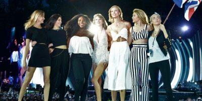 Serena Williams, Karlie Kloss, Cara Delevingne, Martha Hunt, Gigi Hadid y Kendall Jenner Foto:Getty Images