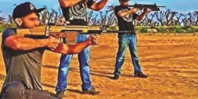 Armas, drogas y selfies: mafiosos intentan ganar popularidad en las redes sociales