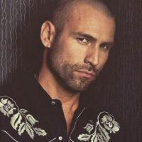 Inició su carrera como cantante en el popular grupo Garibaldi Foto: Instagram/rafaelamayanunez
