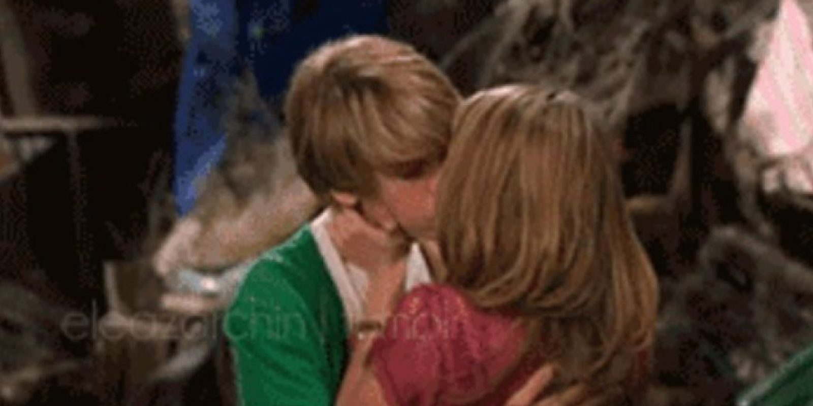 """Su primer beso fue con Cole Sprouse en """"The Suite Life on Deck"""" Foto:Pinterest"""
