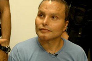 Sin embargo, su voz lo delató y fue capturado en el país sudamericano en 2007. Foto:vía Youtube