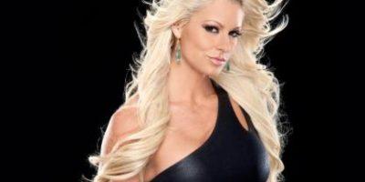 Antes de operarse los senos Foto:WWE