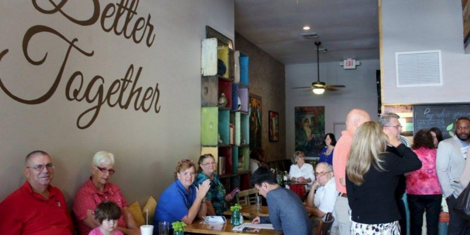 Así que el dinero no limita a las personas a no poder comer. Foto:Vía facebook.com/mosaicscommunitycafe
