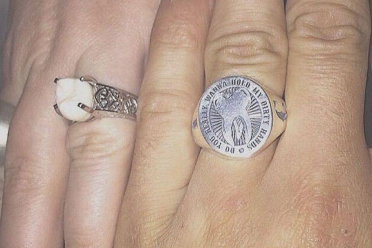 Porque su muela de juicio significaba para ambos más que un diamante. Foto:Vía Facebook/DriveMyCaddy