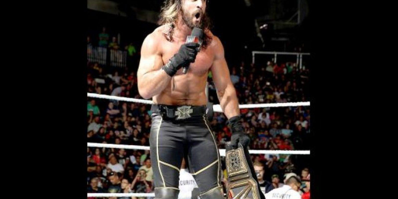 Seth Rollins sufrió una lesión en una pelea ante Kane Foto:WWE