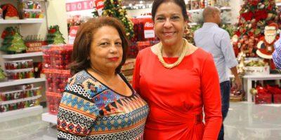 Expertas. Ruth Mirian Cohn y Lilliam Rodríguez deCohen invitadas al encuentro navideño de la tienda Aliss.