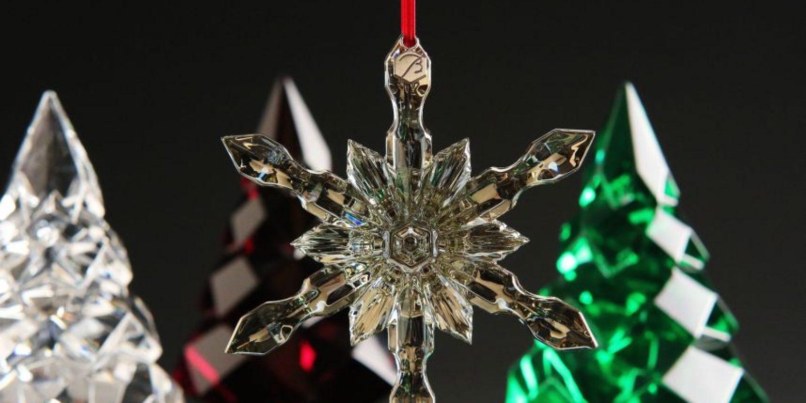 Adornos en cristales. Las transparencias y loscristales son los materiales más utilizados en los elementosdecorativos de Navidad. Foto:FUENTE EXTERNA