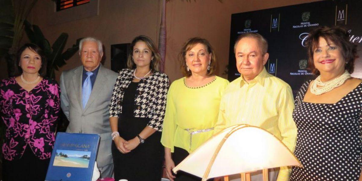 Entre amigos y café, en honor a Ellis Pérez