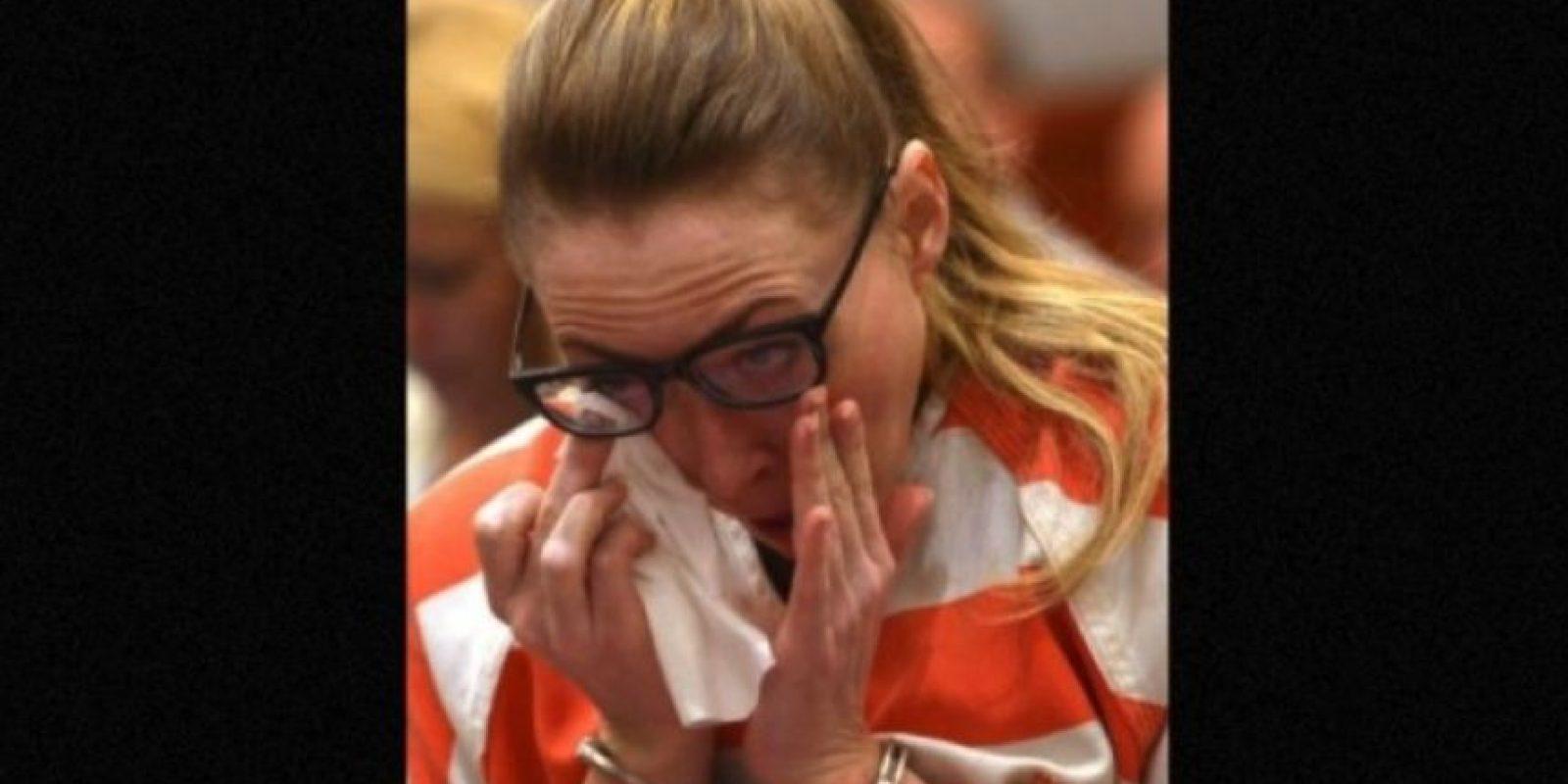 Recibió una condena de dos a 30 años de prisión por tener sexo con tres de sus alumnos que tenían entre 16 y 17 años de edad Foto:AP