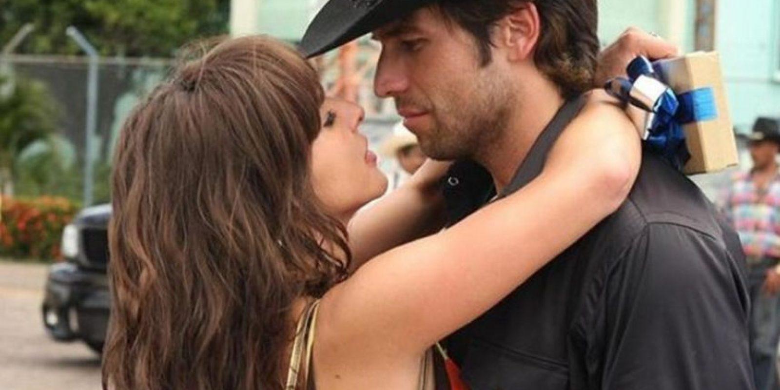 Junto a Kate del Castillo Foto:Telemundo