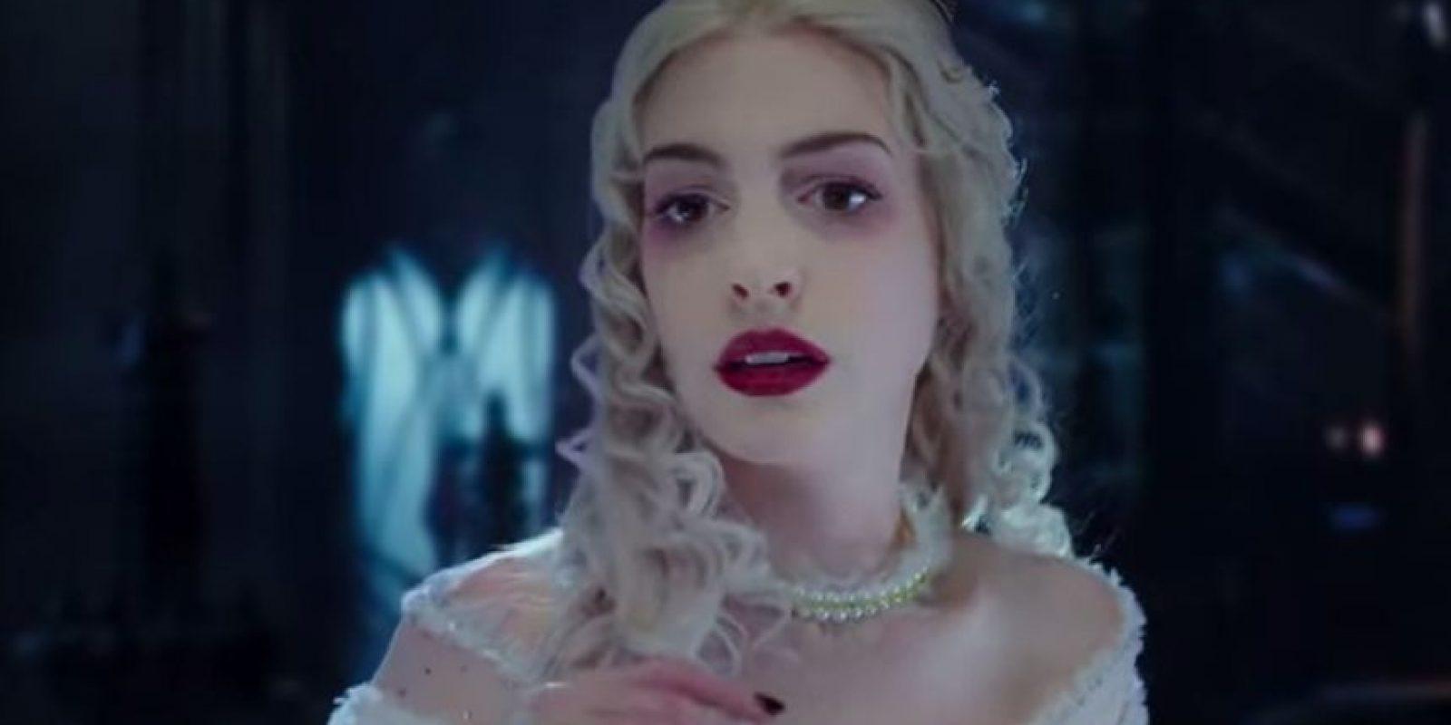 "Anne Hathaway como ""La Reina Blanca"" Foto:Disney"