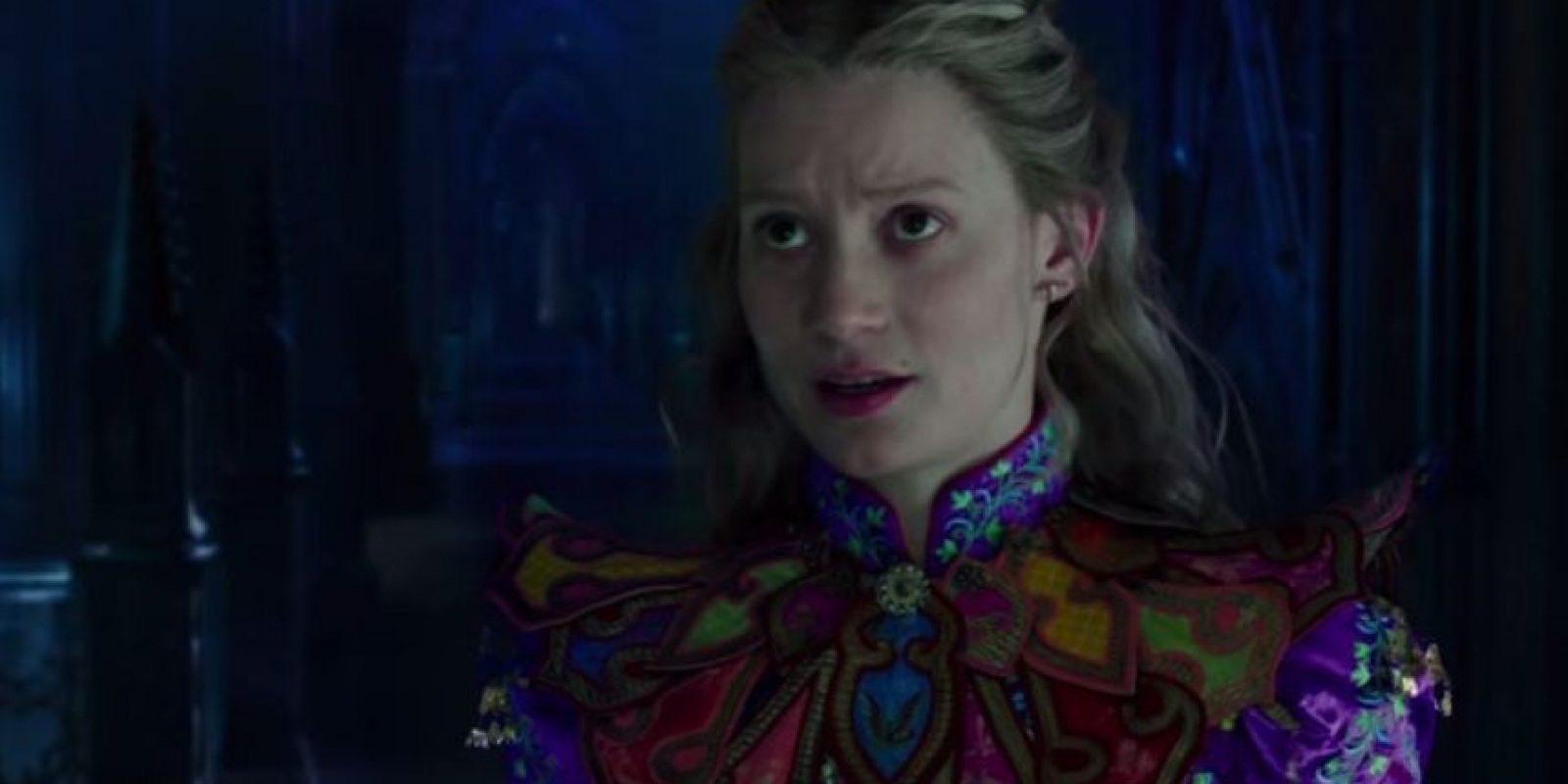 "Mia Wasikowska es ""Alicia Kingsleigh"" Foto:Disney"