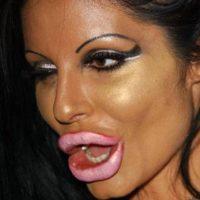 Esta es la horrenda técnica de maquillaje que impuso Kim Kardashian Asimismo, marca de manera ruda los rasgos. Foto:vía sobadsogood.com