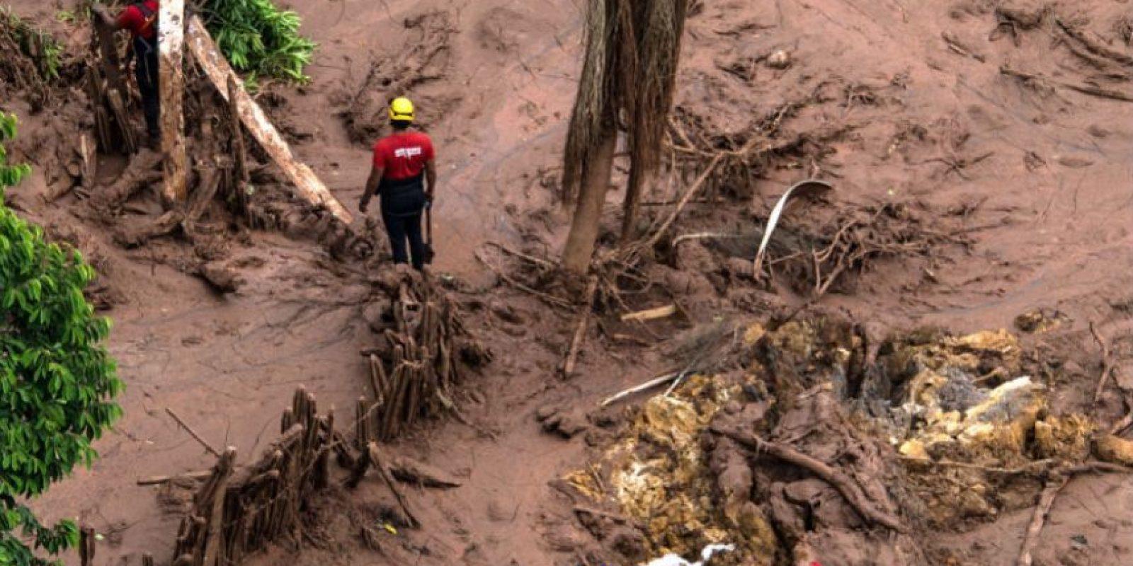La represa de residuos es conocida como Barragem de Fundão y está a 25 kilómetros del casco urbano de la ciudad de Mariana. Foto:AFP