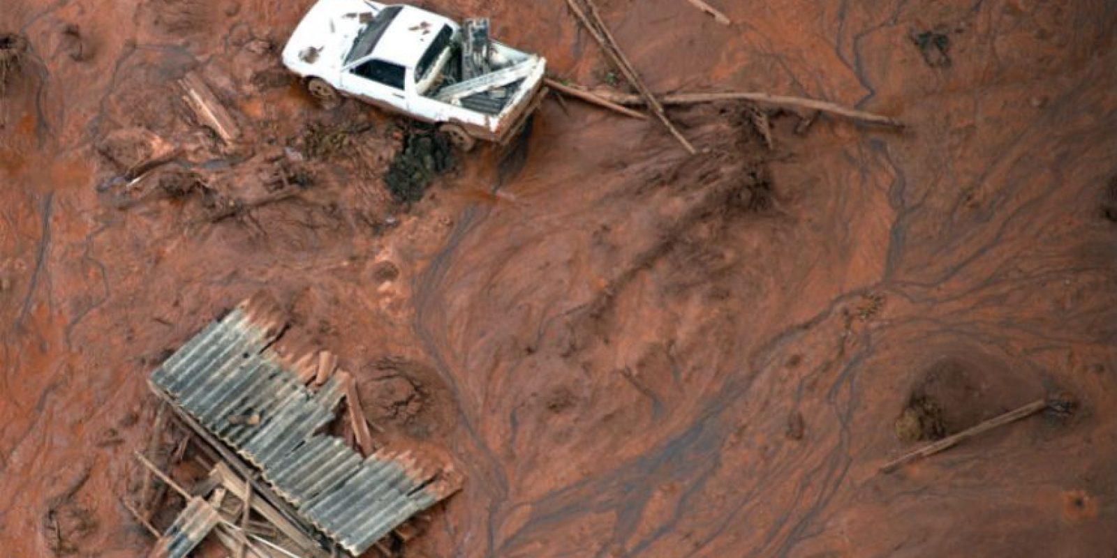 La presa colapsó el jueves. Foto:AFP