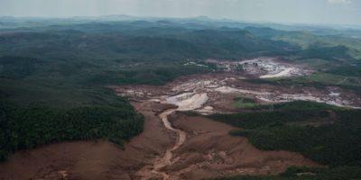 Samarco la empresa dueña de la represa aseguró que se se están movilizando todos los esfuerzos. Foto:AFP