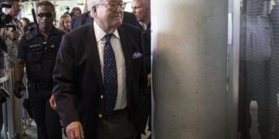 Allanan despacho de Jean-Marie Le Pen. Lo ligan a pilotos franceses