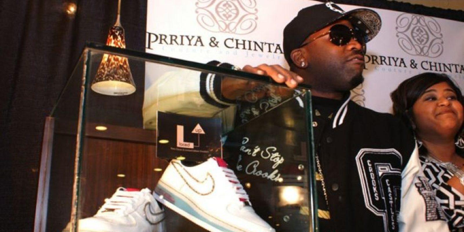 Estos Nike con diamantes cuestan 50 mil dólares Foto: Nike
