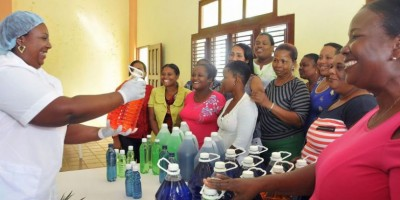 El presidente Medina crea iniciativa de apoyo y promoción a Mipymes