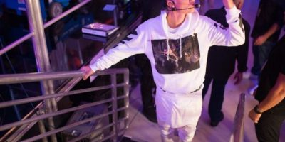 8. Otro de los comportamientos ofensivos de Bieber occurió cuando el ídolo pop apareció orinando en un balde de limpieza de un restaurante de Nueva York, y no solo eso, sino que además el ídolo pop identificó una foto del expresidente de Estados Unidos, Bill Clinton, colgada en la pared del restaurante en donde estaba con algunos amigos, y lo insultó. Foto:Getty Images