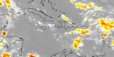 Onamet pronostica aguaceros por onda tropical