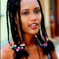 """La rechazaron para un comercial de helados por esto. A lo que ella respondió: """"¿Acaso los negros no comen helado?"""". Sin embargo, rompió paradigmas al ser la primera actriz afro en tener un protagónico en la televisión brasileña. Foto:vía twitter.com/taisdeverdade"""