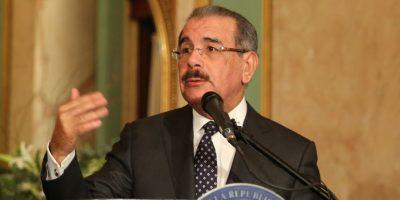 El presidente Medina felicitó a los ganadores del Concurso Anual de Economía