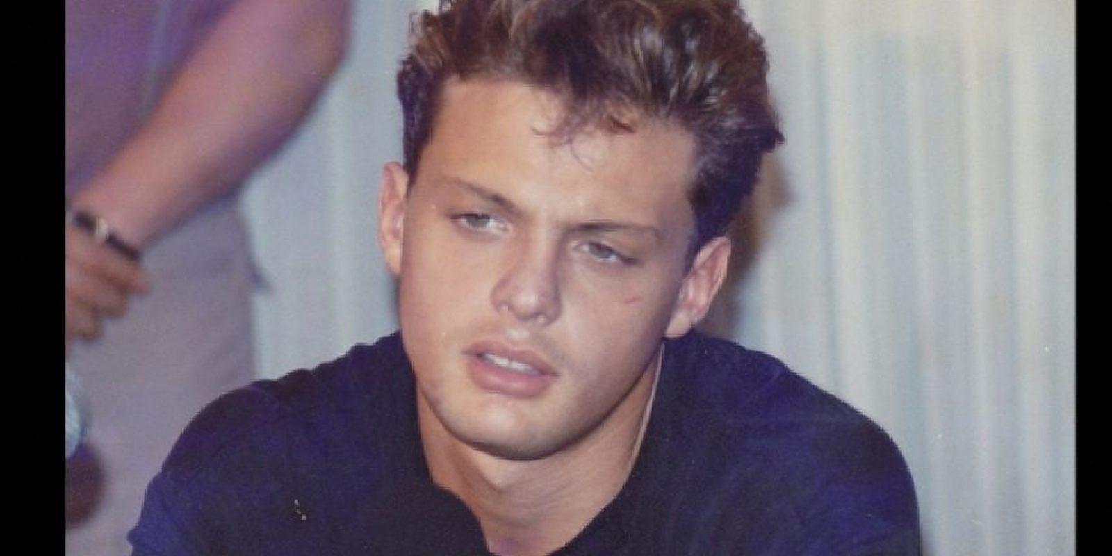 """En 1992 murió su padre. Ya había grabado su álbum """"Romance"""", junto con Armando Manzanero. Foto:Luismiguel.net"""
