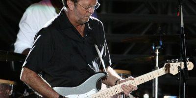 El famoso guitarrista también padece tinnitus, incluso ha declarado que sus oídos están arruinados por exponerlos a sonidos extremadamente fuertes durante conciertos. Foto:Getty Images
