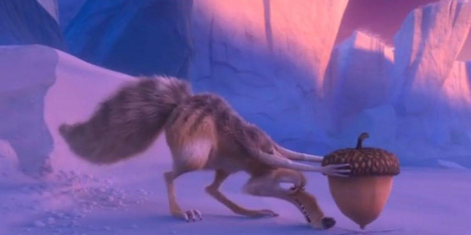 ¿El motivo? La ardilla necesita invernar aunque rara vez lo logra. Foto:20th Century Fox