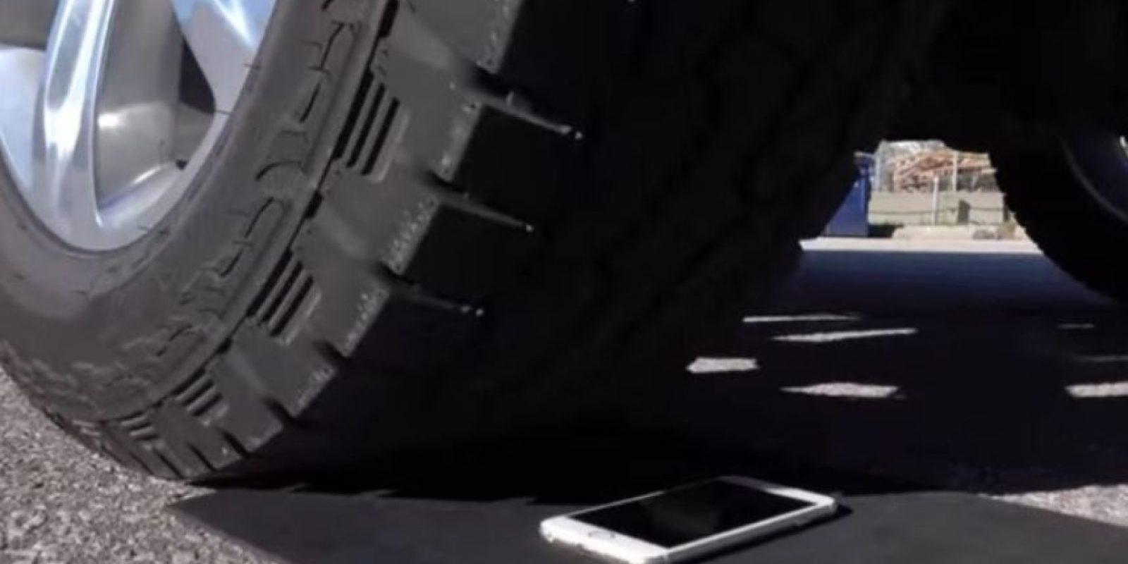 1- iPhone 6s fue puesto a prueba. Foto:Unbox Therapy / YouTube