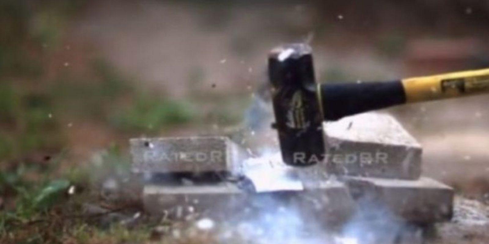 2- Ante un martillo su destrucción fue completa. Foto:FullMag / YouTube