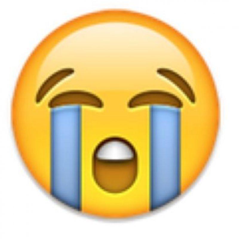 2- Cara llorando en iOS. Foto:vía emojipedia.org