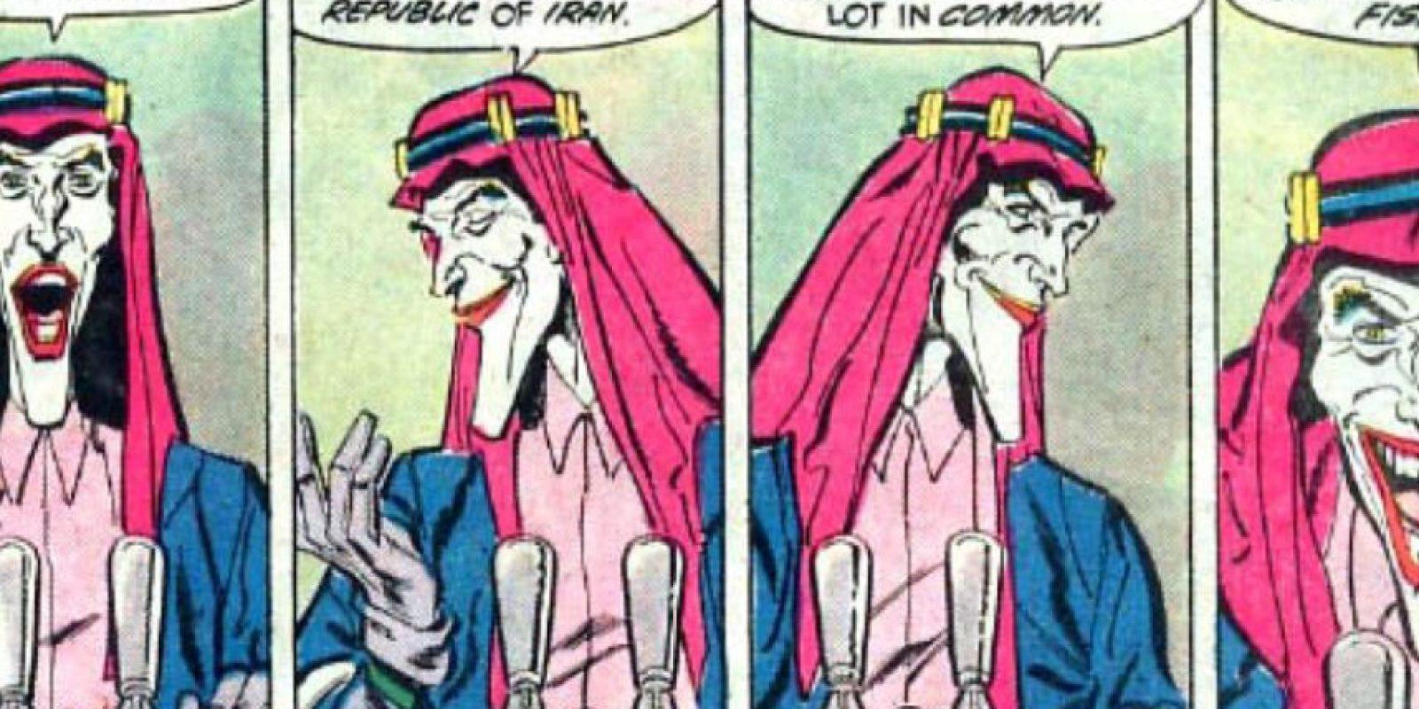 """El """"Joker"""", en su ansía por aliados, recurrió en 1988 a lo impensable. Foto:vía DC Cómics"""